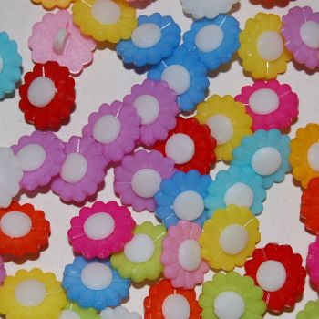 PACK OF 10 PLASTIC RESIN FLOWER BUTTONS, 13MM.