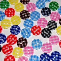PACK OF 10 RESIN GINGHAM BUTTONS, 13MM - 2 HOLE.
