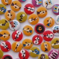 PACK OF 10 MUSICAL INSTRUMENT BUTTONS, 15MM - 2 HOLE.