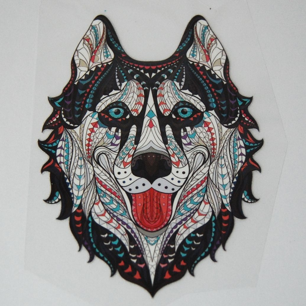 SMALL IRON ON DOG/WOLF HEAD, 10CMS x 8CMS. IDEAL FOR DECORATING CUSHIONS, C