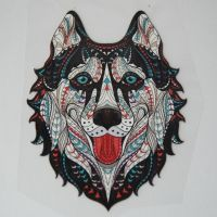 SMALL IRON ON DOG/WOLF HEAD, 10CMS x 8CMS. IDEAL FOR DECORATING CUSHIONS, CLOTHES ETC.
