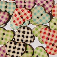 PACK OF 10 WOODEN GINGHAM CHECK VINTAGE STYLE HEART BUTTONS, 16MM - 2 HOLE.