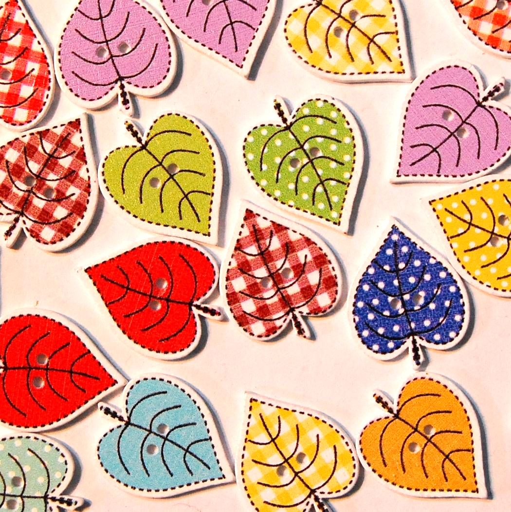PACK OF 10 POLKA DOT LEAF BUTTON EMBELLISHMENTS - 2 HOLE.