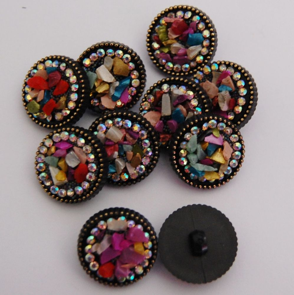 20 MM BEADED FEATURE BUTTON, SOLD INDIVIDUALLY.