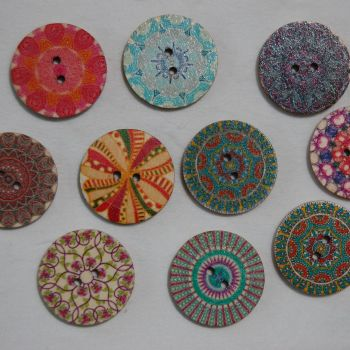 PACK OF 10 EXTRA LARGE WOODEN BUTTONS, 25MM - 2 HOLE.