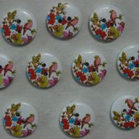 PACK OF 10 BIRD AND FLOWER RESIN BUTTONS, 20MM - 2 HOLE.