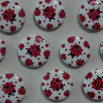 PACK OF 10 LADYBIRD RESIN BUTTONS, 20MM - 2 HOLE.