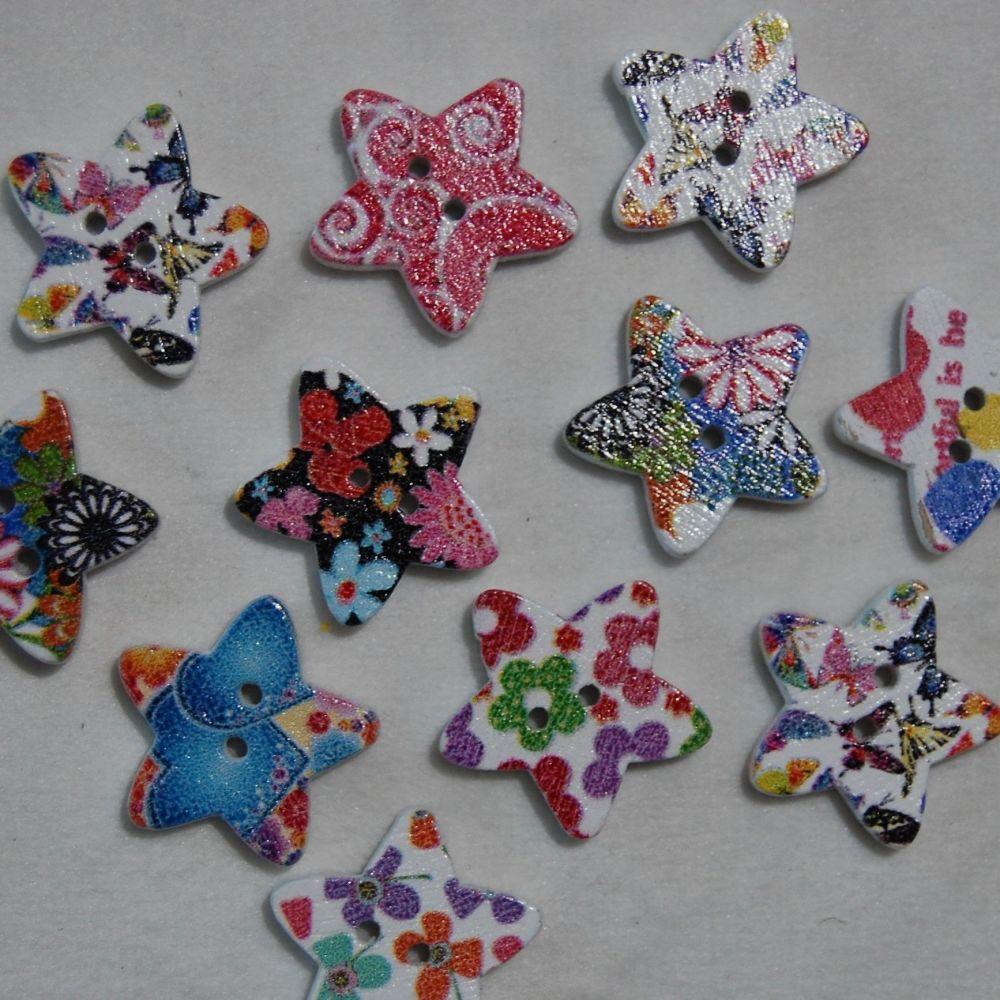PACK OF 10 SMALL STAR BUTTON EMBELLISHMENTS, 18MM X 18MM.