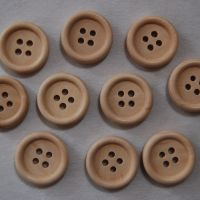 PACK OF 10 PALE WOODEN BUTTONS, 20MM - 4 HOLE.