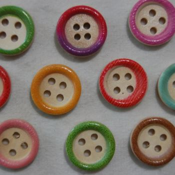 PACK OF 10 COLOURED EDGE WOODEN BUTTONS, 15MM - 4 HOLE.