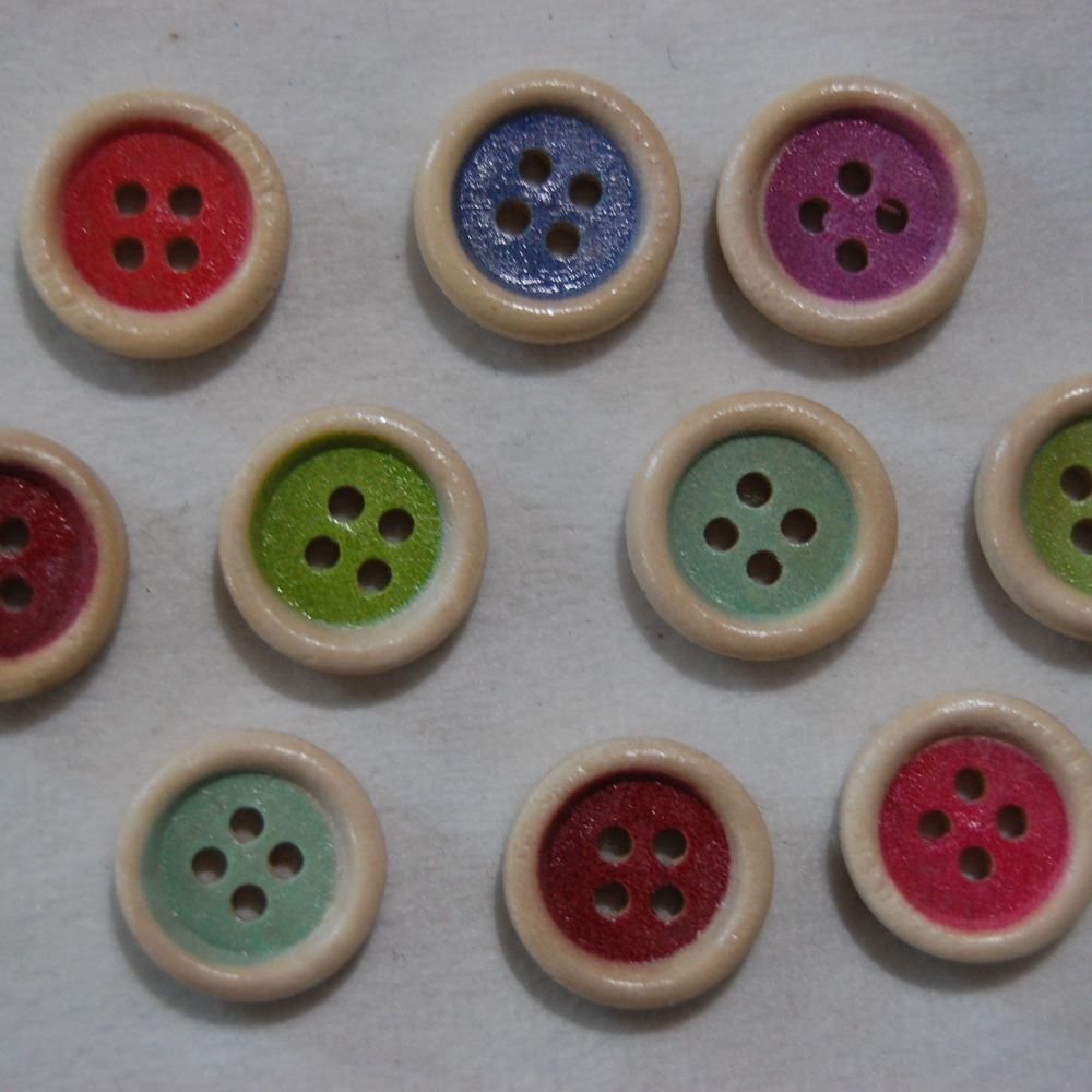 PACK OF 10 COLOURED CENTRE WOODEN BUTTONS, 15MM - 4 HOLE.