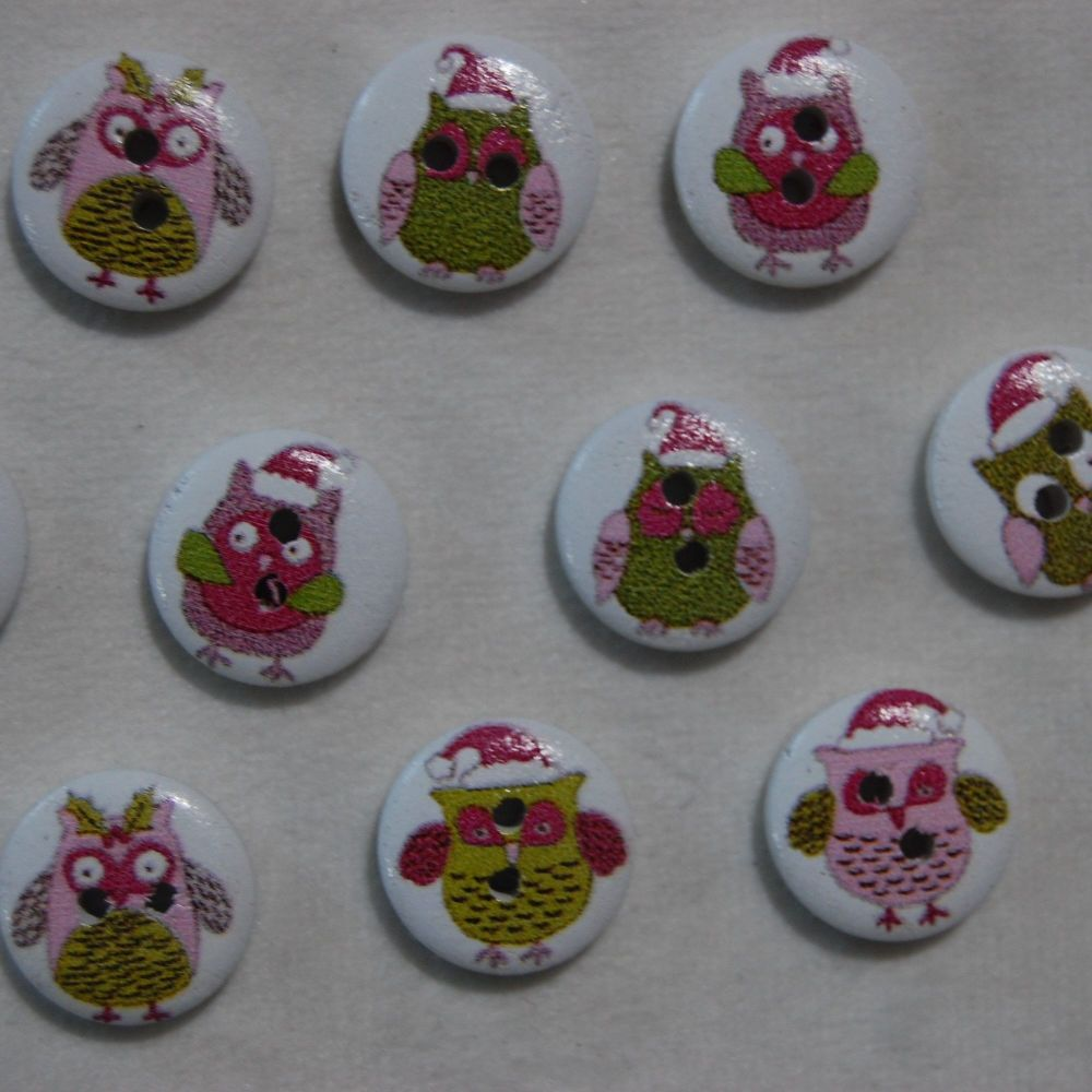 PACK OF 10 CHRISTMAS OWL RESIN BUTTONS, 15MM - 2 HOLE.