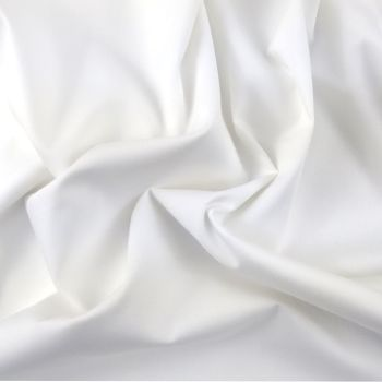 FINE PLAIN DYED POLY COTTON FOR DRESS MAKING, CRAFTS ETC, WHITE.