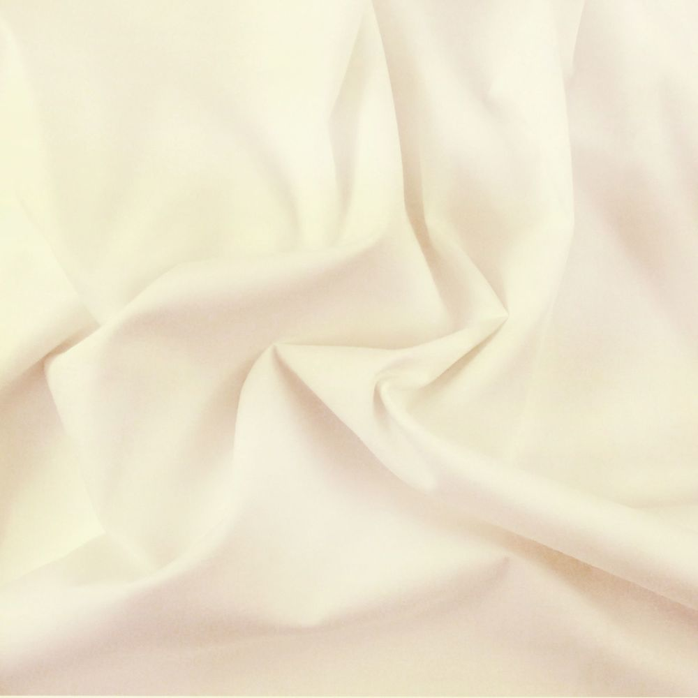FINE PLAIN DYED POLY COTTON FOR DRESS MAKING, CRAFTS ETC, CREAM.