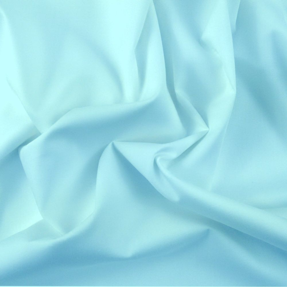FINE PLAIN DYED POLY COTTON FOR DRESS MAKING, CRAFTS ETC, PALE BLUE.