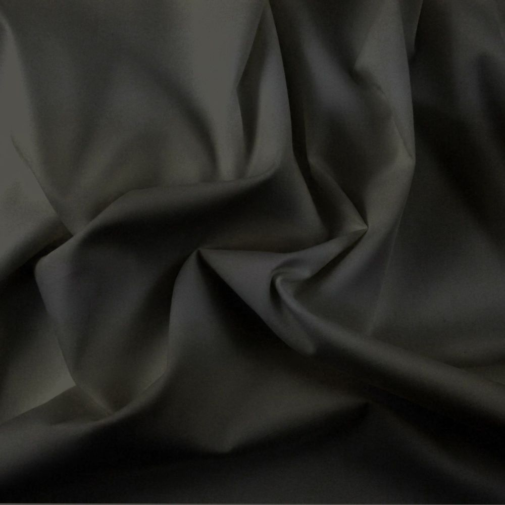 FINE PLAIN DYED POLY COTTON FOR DRESS MAKING, CRAFTS ETC, BLACK.