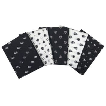 ESSENTIALS BLACK/WHITE FAT QUARTER SET, 5 PIECES. 100% COTTON.