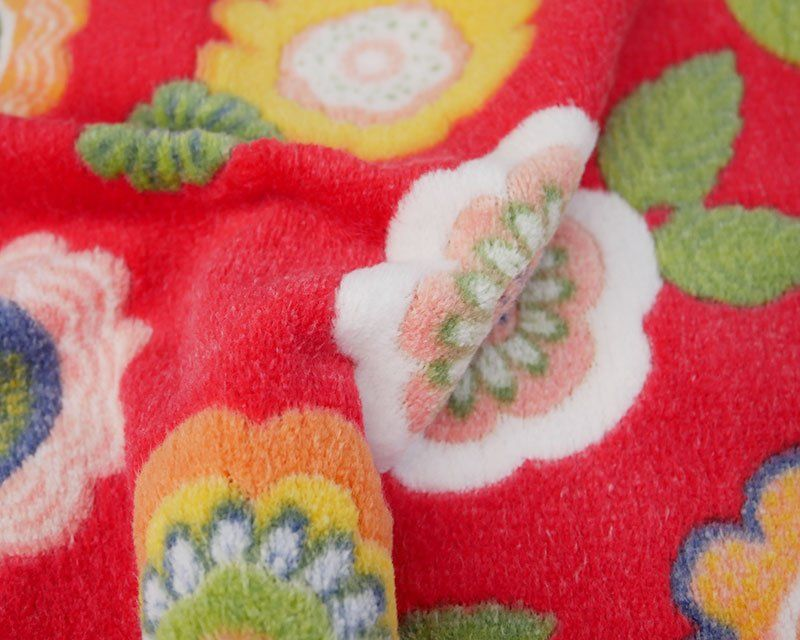FLOWER CUDDLE FLEECE, 58 INCH WIDE. RED.