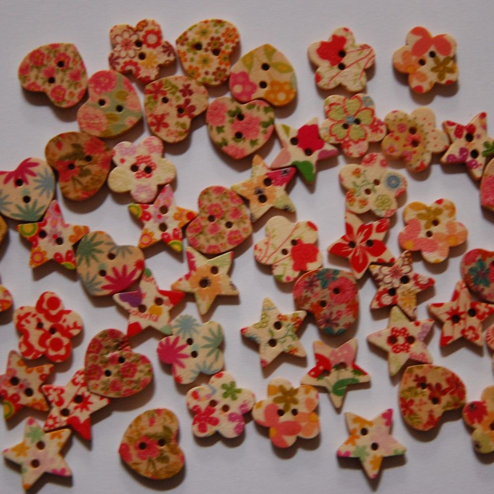 MIXED SELECTION OF 50 WOODEN HEART, FLOWER AND STAR BUTTONS.