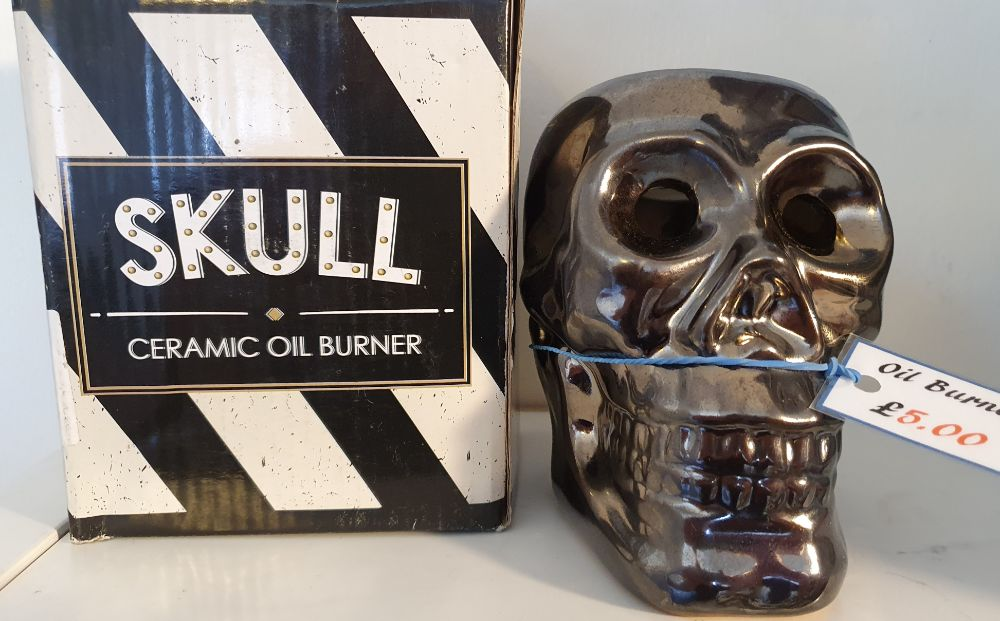 BOXED SKULL OIL BURNERS £5