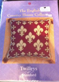 kit 2062 cross-stitch english heritage fleur de lys cushion