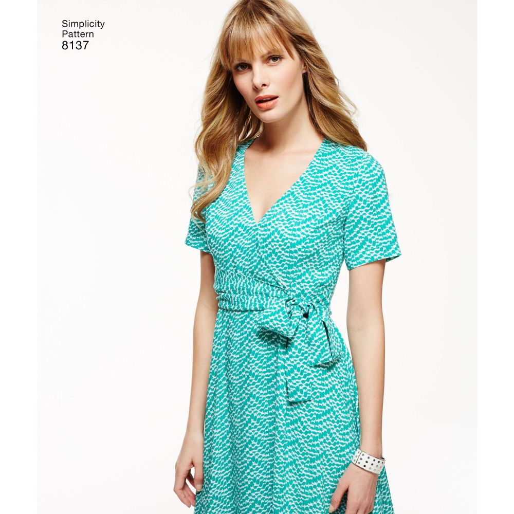 simplicity-sportswear-pattern-8137-AV3A