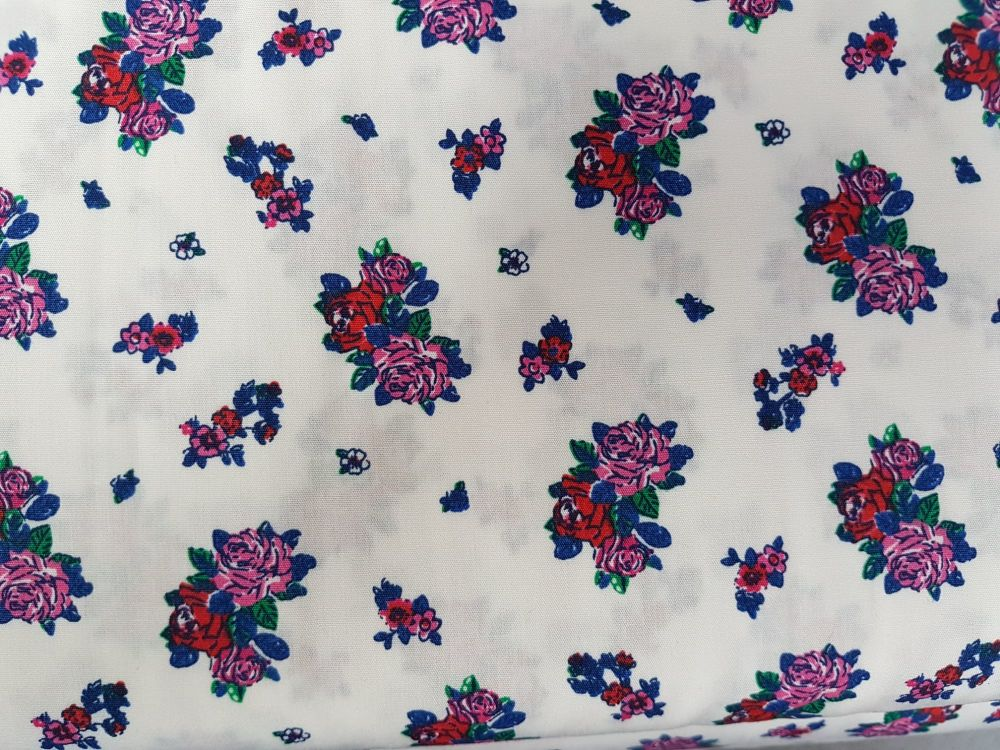 Lovely liberty liberty flower white/red reference KC2802-301
