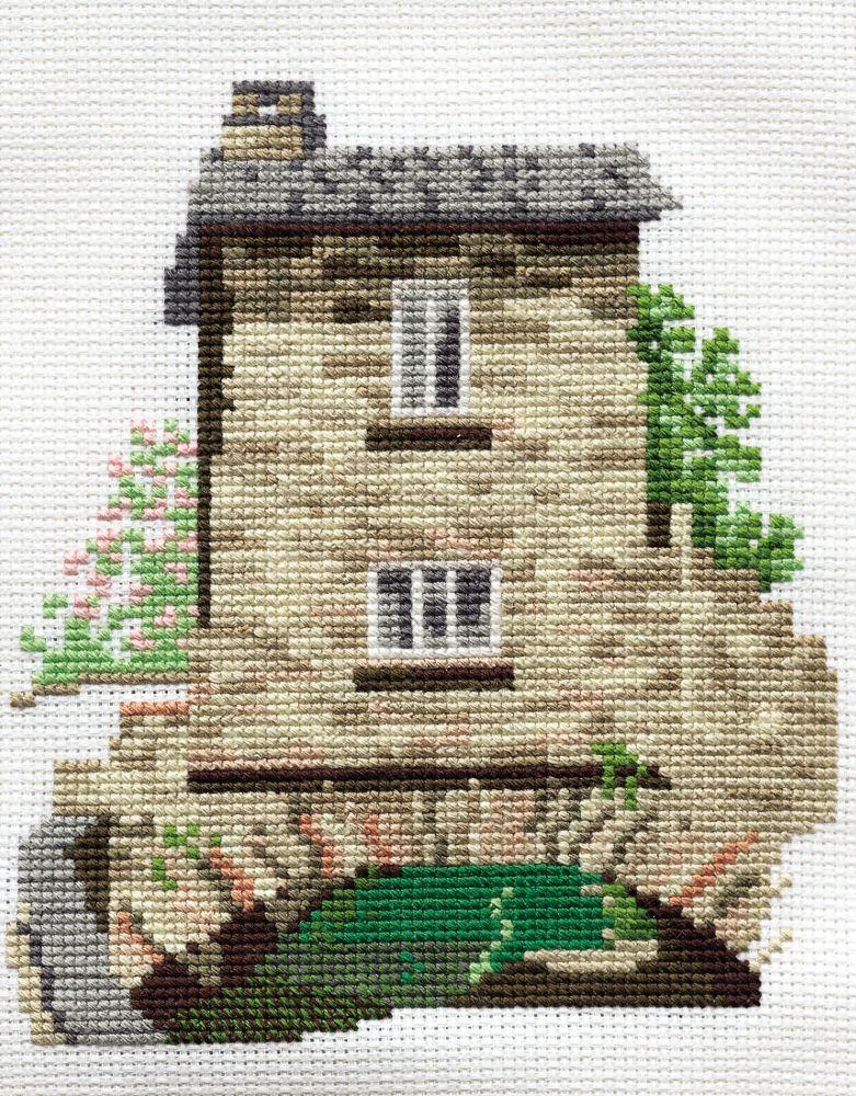 Derwent 14DD102 embroidery Dale designs range - Bridge House