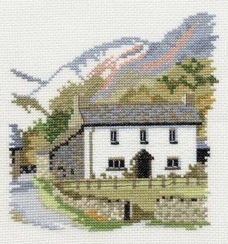 Derwent 14DD106 embroidery Dale designs range - Yew tree farm