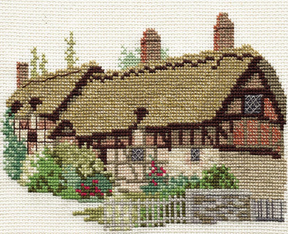 Derwent 14DD204 embroidery Dale designs range - Hatherway's cottage