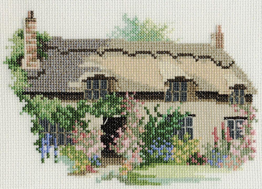Derwent 14DD218 embroidery Dale designs range - Thornton Le Dale