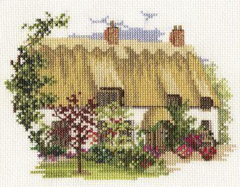 Derwent 14DD227 embroidery Dale designs range - Midsummer thatch