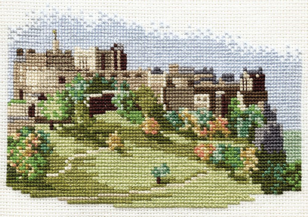 Derwent 14DD301 embroidery Dale designs range - Edinburgh castle