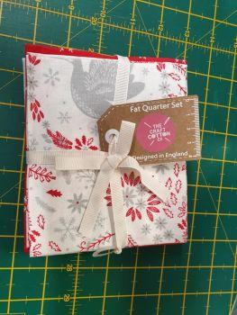 Christmas Dove Red fat quarters bundle of 5 pieces