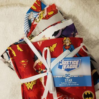 Justice league DC heroines STAX fat quarter pack
