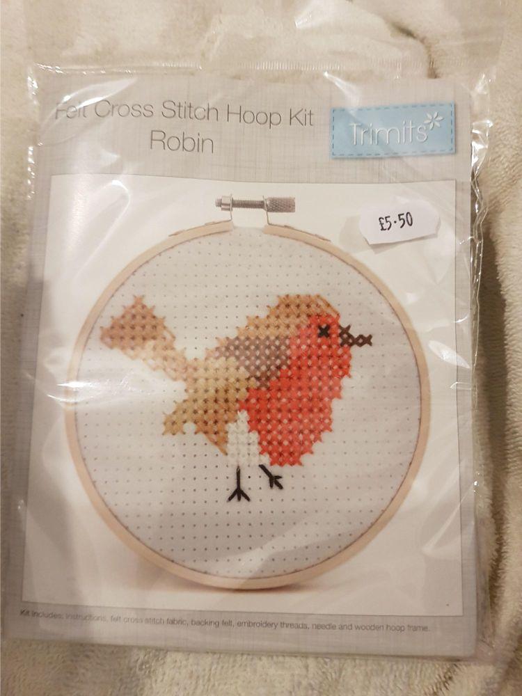 Trimits felt cross stitch hoop kit Robin