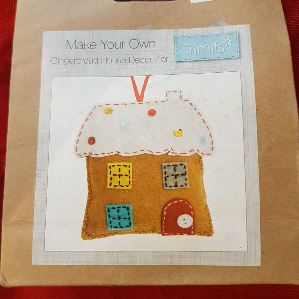 Make your own Gingerbread house felt decoration