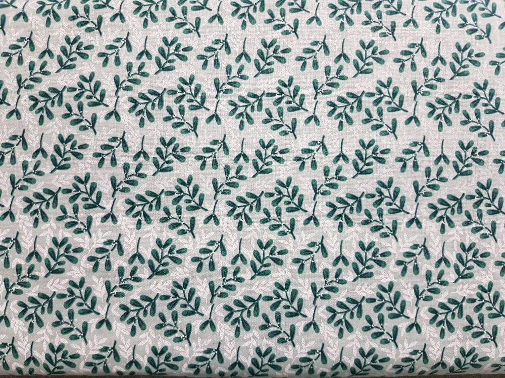 Craft cotton co 2625-04 Christmas snowy woodland Mistletoe 100% Cotton