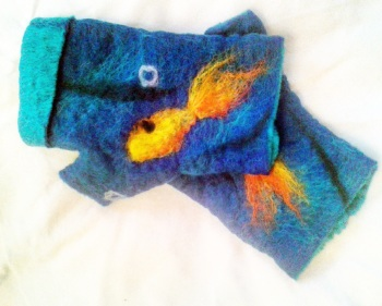 Blue mittens with fish design