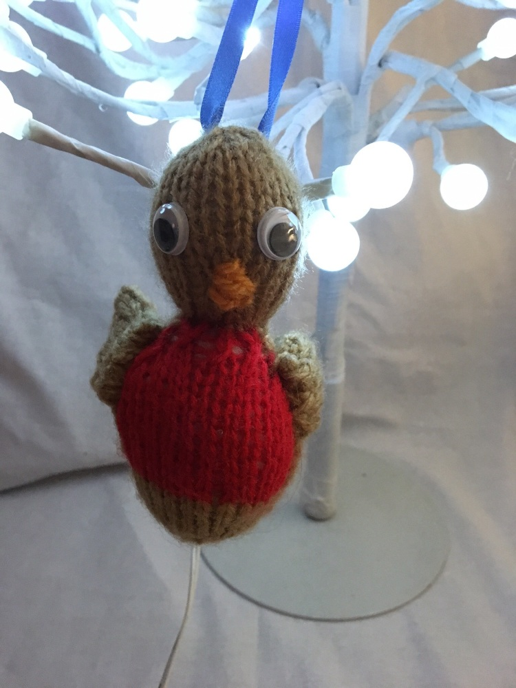 Hand knitted robin tree decoration by Kernow Knitting
