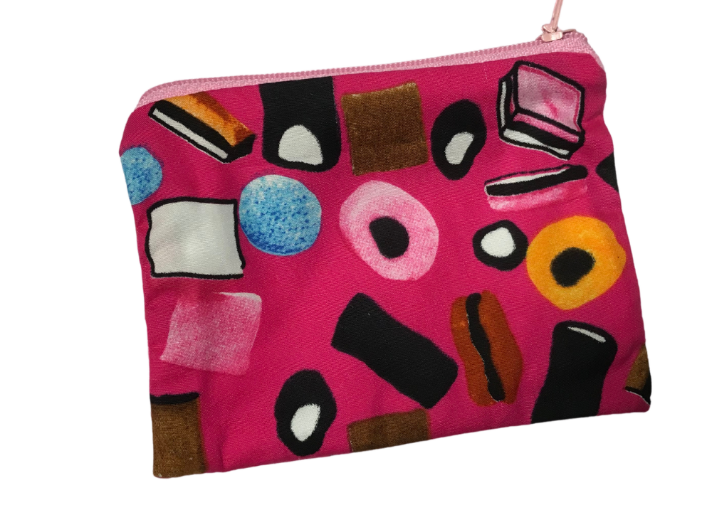 Cotton zipped, lined coin purse by Maz Maid Crafts