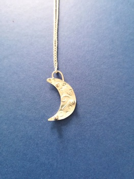 Stirling silver ornate crescent moon pendant