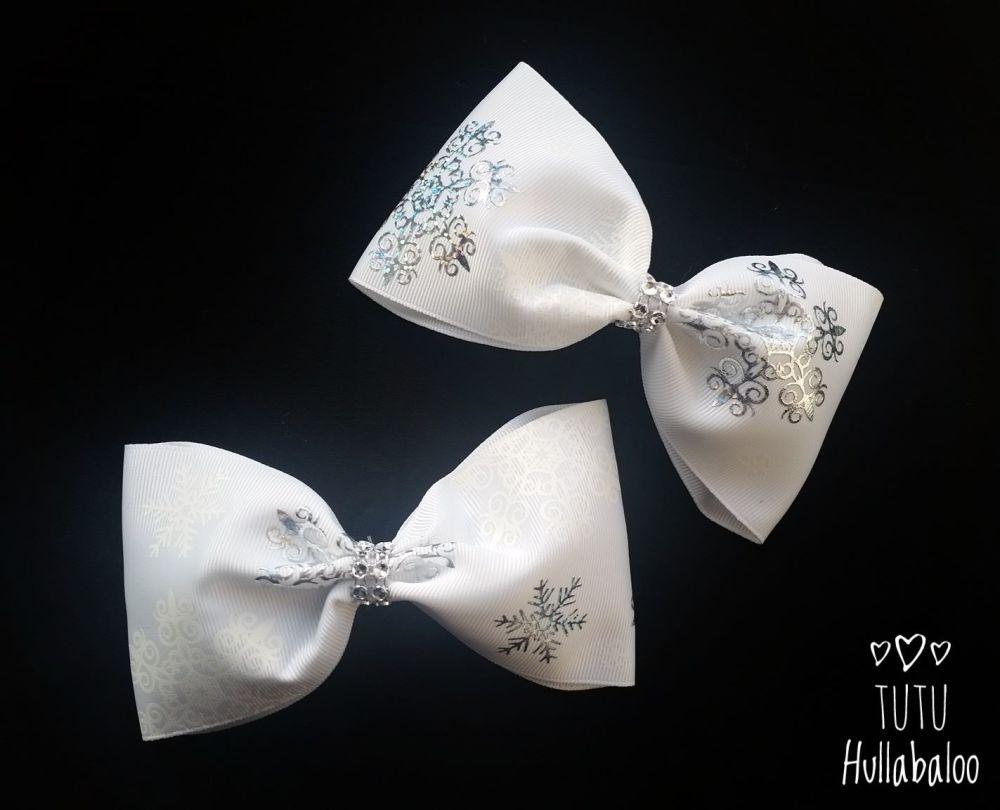 Snowflake Tux Bow White