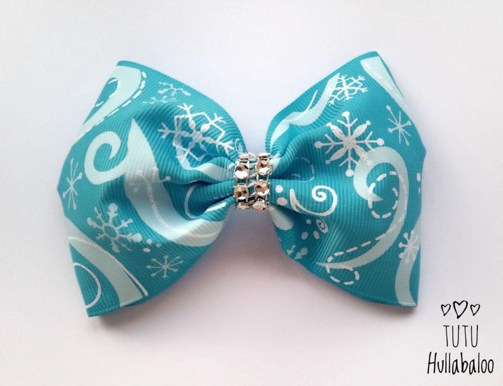 Snowflake Swirls Tux Bow Turquoise/White