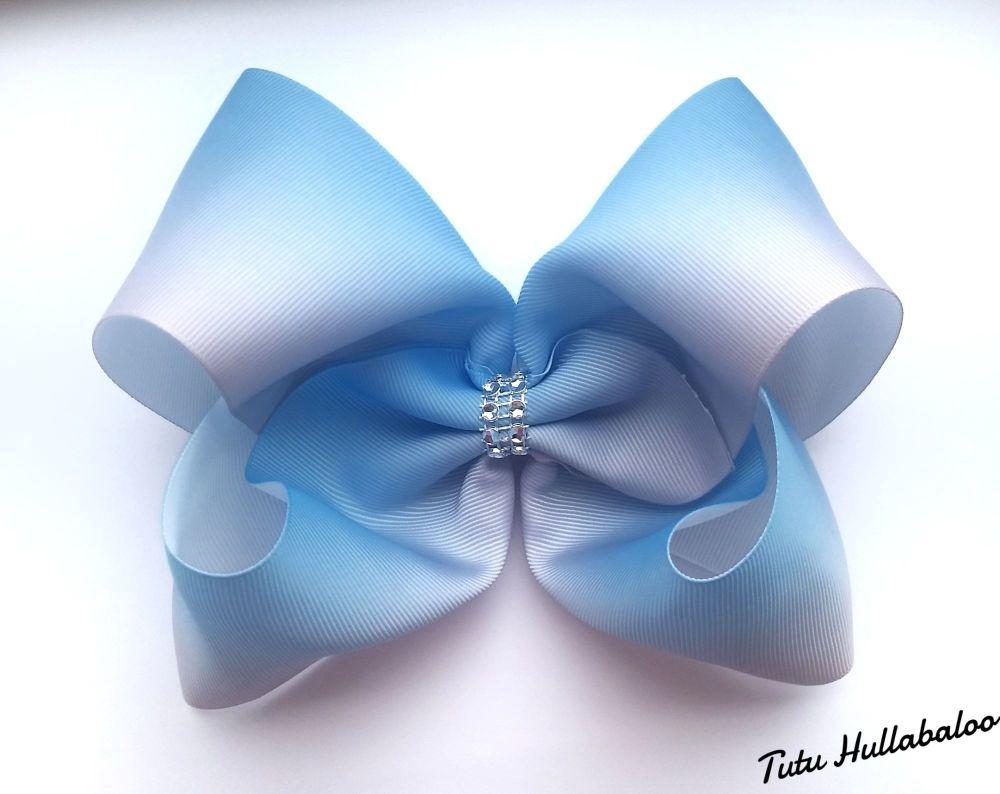 Ombre Mega Bow Light Blue/White