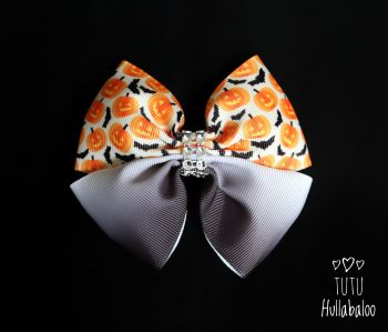 Pumpkins and Bats Double Tux Bow Ombre