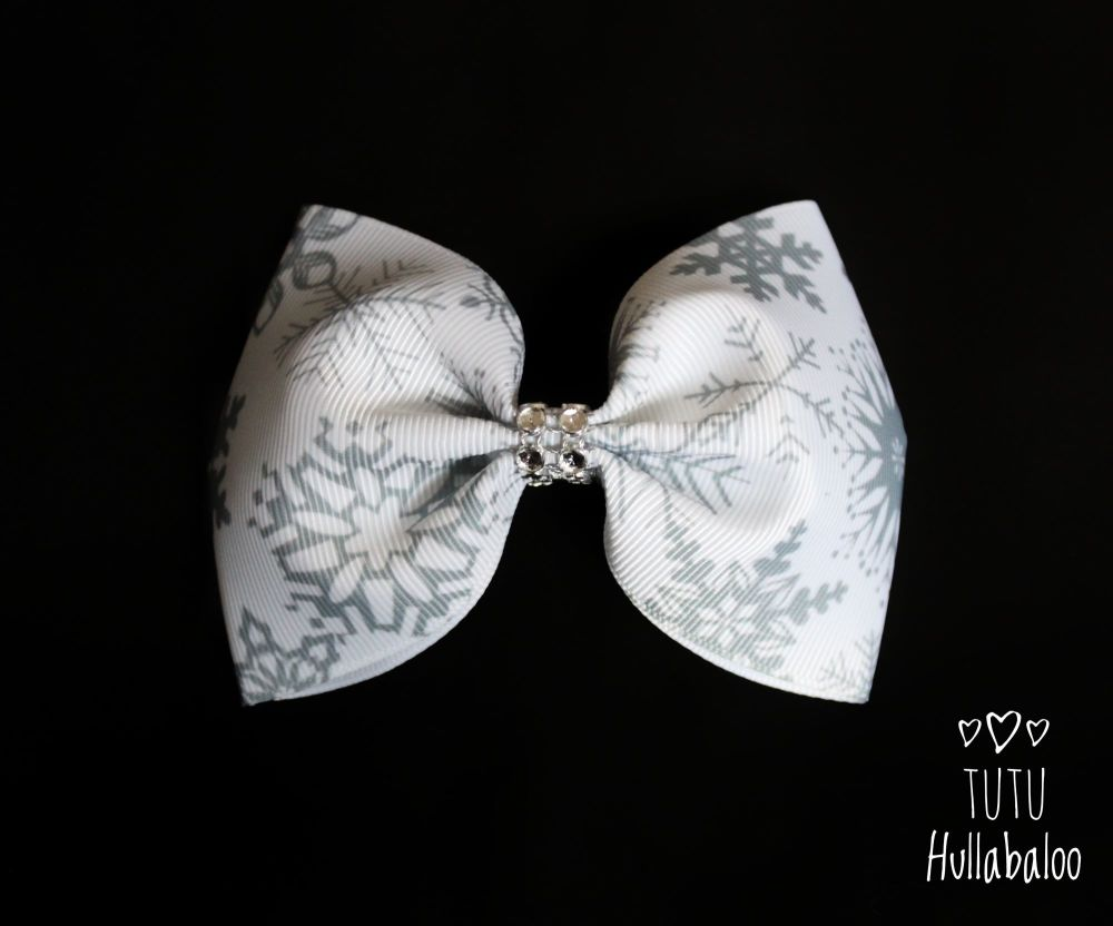 Snowflake Tux Bow White/Grey