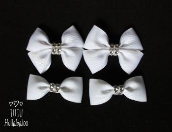 Plain White - Bunches Bows - 4 bows