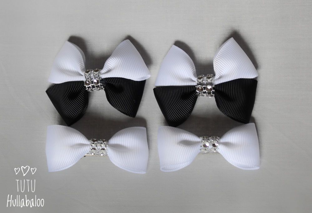 Plain Black/White - Bunches Bows - 4 bows
