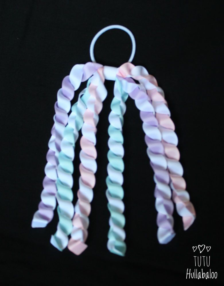 Unicorn Streamer Bobble